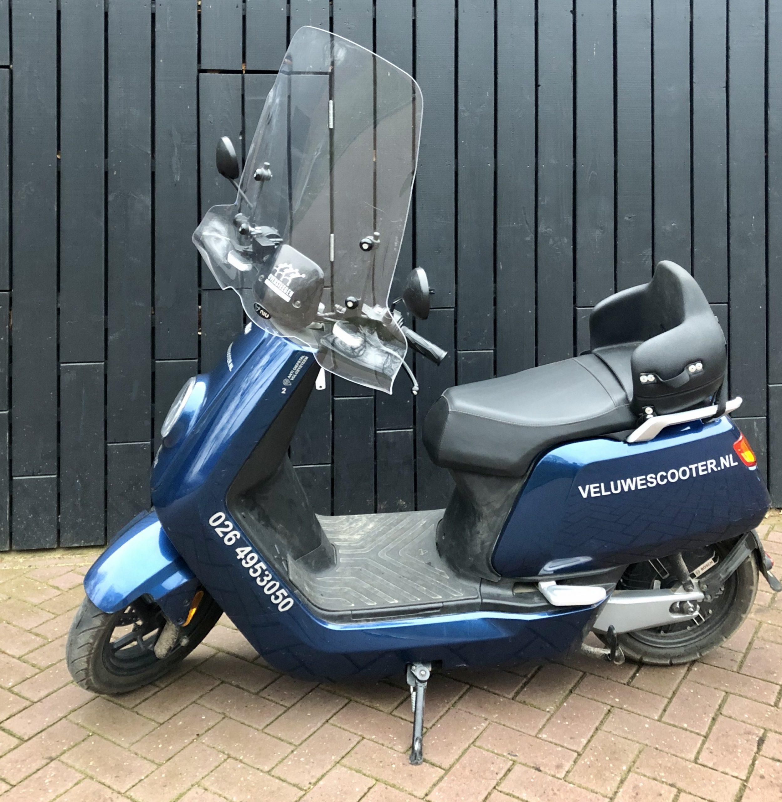 Ouder en kind scooter met rugsteuntje